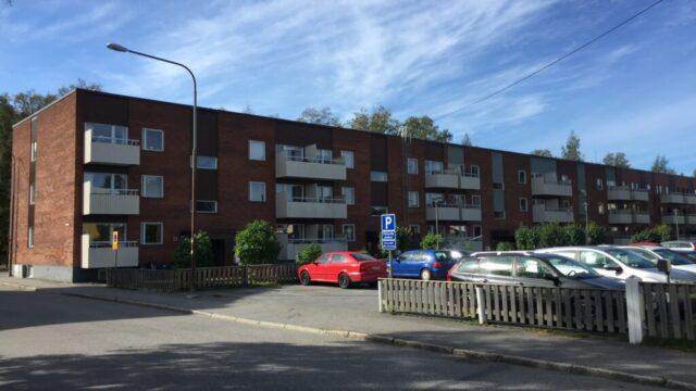 Öst på stan – Järnvägsgatan 9 A-D, 11 Sjukhusgatan 2 A-B, Nygatan 80